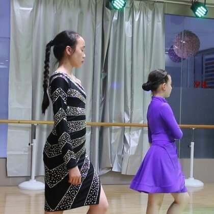 #舞蹈##拉丁舞#没睡的都来当评委??