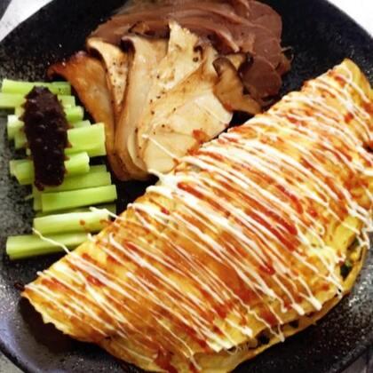 #吃货##美食# 每次吃蛋挞都会被烫到……都放假了是不。你们都去哪玩了,都汇报一下来……别玩疯了 记得来看雁子呀❤️……