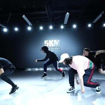 Choreography:pepe/Dancer :charcoal .nena.dave/Studio:@5KMDanceStudio/song:方大同-Ten reasons #音乐##舞蹈##我要上热门@美拍小助手#