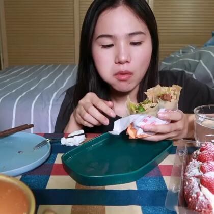 (2)吃播 番茄鸡蛋盖面/咸菜青团/卤肉卷/糯米肉糕/草莓面包 原速:http://www.bilibili.com/video/av22813870#吃秀#