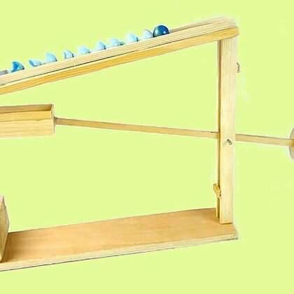 #手工#仅凭自身重力就能动,珠子无限多就能一直运转,这个跷跷板设计太巧妙#杠杠原理##跷跷板#