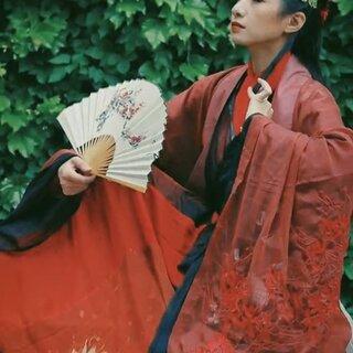 #古风荟##汉服#在路上被当女装大佬的东方不败?😂😂😂