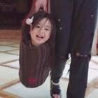 最近金宝喜欢上了洗衣篮😂#宝宝##金宝3y+3m#但是港真,我觉得露出个脑袋怎么有点恐怖😵