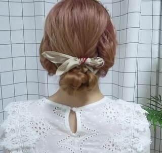 还有今年最流行的丝巾绑发~一起来学习吧!#编发##造型#(一)