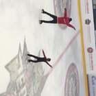 #精选##冰舞#前国家队运动员高崇博老师在给孩子上课⛸ps.我们在北京奥林匹克森林公园北园北门万域芳菲冰上中心有免费的体验课哦