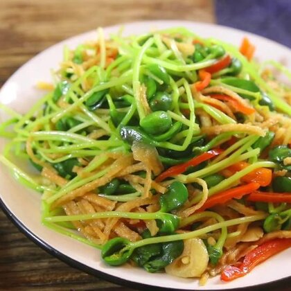 你吃过馓子么?馓子用来做菜试过吗?这道菜是最经典的#家常菜##地方美食#