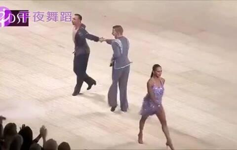 【千夜舞蹈美拍】那些拉丁赛场上,尴尬却又机智化...