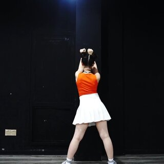 韩国一对情侣编的减肥舞😂😂跳起来真的很减肥,这么简单的舞蹈,赶紧跟我一起跳起来吧😉😉@敏雅可乐#敏雅音乐##敏雅舞蹈##舞蹈#