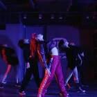 Yanyan@毕小清-BXQ 在尝试不同的风格呢,这群小姐姐酷不酷@嘉禾舞社国贸店#Ariana Grande##舞蹈##嘉禾舞社#