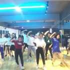 欢迎新成员加入我们的@MOLIFE流行舞蹈工作室 这个大家庭 漳州芗城区的小仙女想学跳舞的话可以私信了解一下噢 我们在这里等你👩❤️👩 话说你们找得到a大在哪里不?手动圈出她的颜色哈哈【a大a小的店】http://m.tb.cn/h.WB5sNbe #精选##舞蹈#