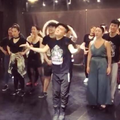 Akuma Diva百川 清晰的表达《听海》#waacking##舞蹈#