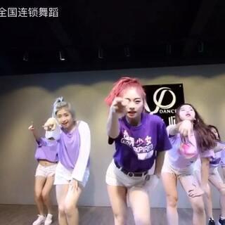 舞音乐全国连锁大师的美拍:#老师#糖糖女生D舞蹈粉色头发图片