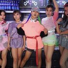 HELLO DANCE | 小白 Choreo - Barbie girl#舞蹈##编舞#Girlly风的最佳诠释小白导师从来都是惊艳,用一首近20年前的大热劲歌《Barbie girl》,然后用着现在的风格来诠释这样的音乐属性@HelloDance白Ahahako @美拍小助手