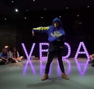 #舞蹈##VB舞蹈#KENZO编舞SHUSH 更多精彩视频请关注微信公众号:西安VB舞蹈工作室 微信客服咨询:vbwudao #我要上热门#