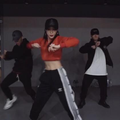 #舞蹈##1milliondancestudio# 【1M】Minyoung Park编舞Cocky 更多精彩视频请关注微信公众号:1MILLIONofficial 微信客服请咨询:Million1zkk