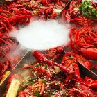 #街边小吃#龙虾肥美季🌶️🦐12kg·1888极品小龙虾宴开动🤲🏻#馋客美食旅行家##馋客美食旅行家#