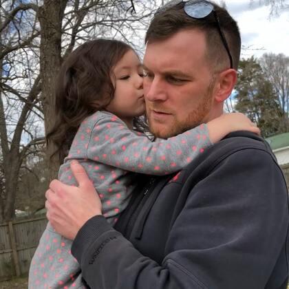 #视频存货3/4/2018# 星期天下午,和布丁在后院玩,后来送她回家了 😜😜