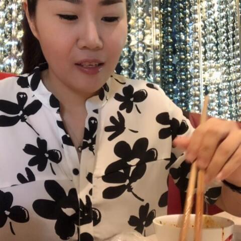 【丽莎芭比美拍】#吃秀##干锅牛蛙#https://weidia...