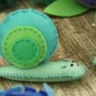 手工DIY:周末利用空闲时间,给宝宝用毛毡布做一只可爱的蜗牛吧,还可以用来给宝宝讲故事!#宝宝##育儿#@美拍小助手 贝贝粒,让育儿充满欢笑。