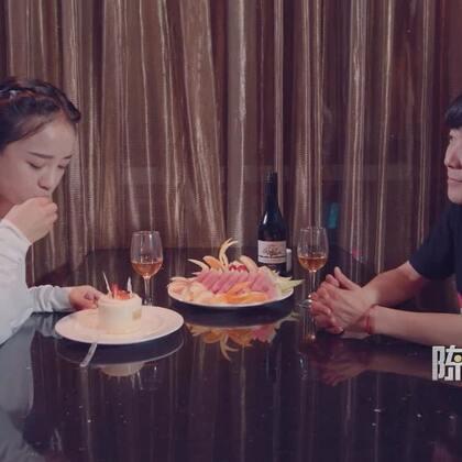 """男友的求婚惊喜,我却没机会说""""我愿意""""#陈翔六点半#"""