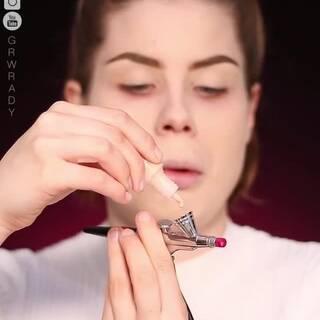 好久没重现江湖的美妆黑科技请重新复习一下,每次看完真的有剁手的冲动!!!妆感太棒了!!!#美妆时尚##美女##化妆#