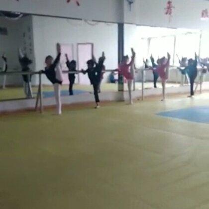#舞蹈#舞蹈基本功练习#每日练功#️上课的视频还是朋友帮忙拍的⭐️家里的事情终于处理完了⭐真心️感谢朋友们的等待⭐️谢谢啦⭐️感谢美拍有你⭐️