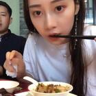 秦爸一直在后面耍帅,撩头发😂😂#精选##吃秀##全民吃货拍#