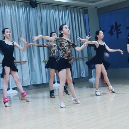 #舞蹈##拉丁舞#是长得美的都去跳拉丁了,还是跳了拉丁后才变得更美呢?