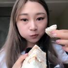 #吃秀#今天毕业答辩~出门前吃个三明治压压惊