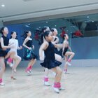 #舞蹈##拉丁舞#摔倒是猝不及防的,但摔了却不倒,是要功夫的🤡