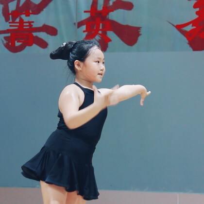 #舞蹈##拉丁舞#喜欢的事,快乐得做;喜欢的事,认真的做💃(这发型很复古啊🤣)