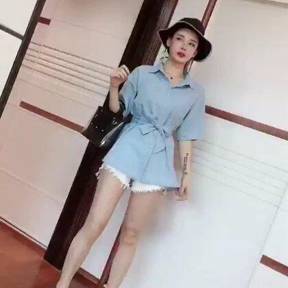 #穿秀##网红店打卡##放下抹布,就是女王#和我一起学习穿衣打扮吧!来个小❤️