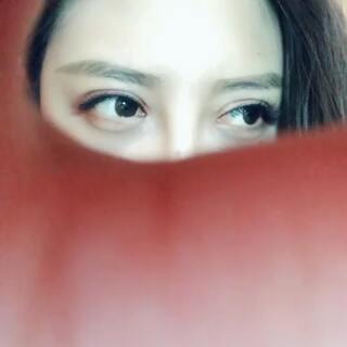 #我看着你的时候# 只看眼睛 像不像热巴🤭 #迪丽热巴#@美拍小助手