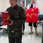 恶搞日本艺妓@可爱的金刚嫂 @小金刚恶搞 @吃货金刚爸 @可爱的金刚嫂 #精选##小金刚恶搞#
