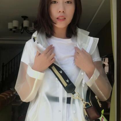 今天有点混搭#穿秀# 裙子其实直接搭配白T就超好看了,但我这边有点冷还是要穿一件外套,买了裙子的宝宝给你们点灵感http://weidian.com/i/2128173400?ifr=itemdetail&wfr=c
