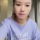 #吃秀# 早上吃的粽子,喜欢吃糯米的食品。不涂口红看起来好没精神😅@小冰