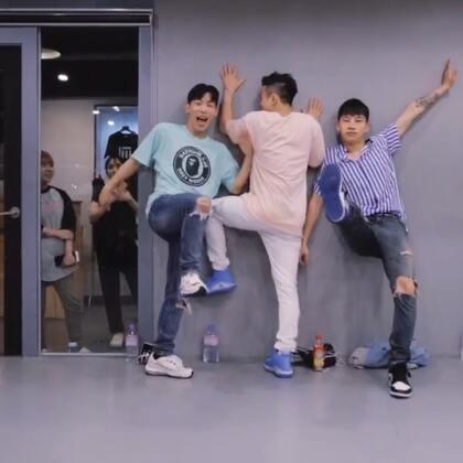 #舞蹈##1milliondancestudio# 【1M】Austin Pak编舞Drive 更多精彩视频请关注微信公众号:1MILLIONofficial 微信客服请咨询:Million1zkk