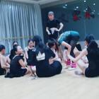 #舞蹈##拉丁舞#保养大长腿的秘密就在这个视频里