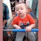 玩着玩着就睡着的小朋友们。😪😂💤@小冰 #俊男美女乐开怀##8090过六一##六一宝宝日常#