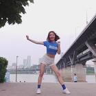 ?AOA-Bingle Bangle?一向走性感风的AOA这次新歌的舞居然走了可爱风,不知道为啥,中间bingle bangle的经典动作感觉自己做起来好傻…???♀????♀?#敏雅音乐##舞蹈##我要上热门#@敏雅可乐 @mp助手123??