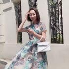 #精选##穿秀##今天穿这样#@美拍小助手 今天的小祖母绿色刺绣连衣裙喜欢??
