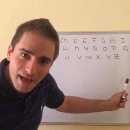 #学习##跟着桔宝爸一起学西语##西班牙语#@美拍小助手 来来来!西班牙语字母表!So easy??喜欢的宝宝点个赞分享关注呗??欢迎留言你们感兴趣想学到的西班牙语内容或想了解的关于西班牙的一切??