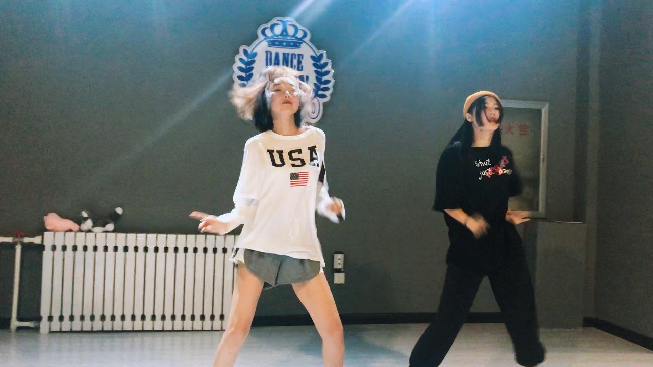 #精选##舞蹈##运动# 舞蹈课的日常喜欢我录舞蹈视频的宝宝