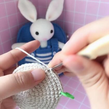 小兔子玩偶教程-5@美拍小助手 #手工#