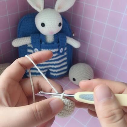 小兔子玩偶教程-11@美拍小助手 #手工#