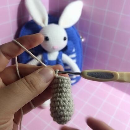 小兔子玩偶教程-29@美拍小助手 #手工#