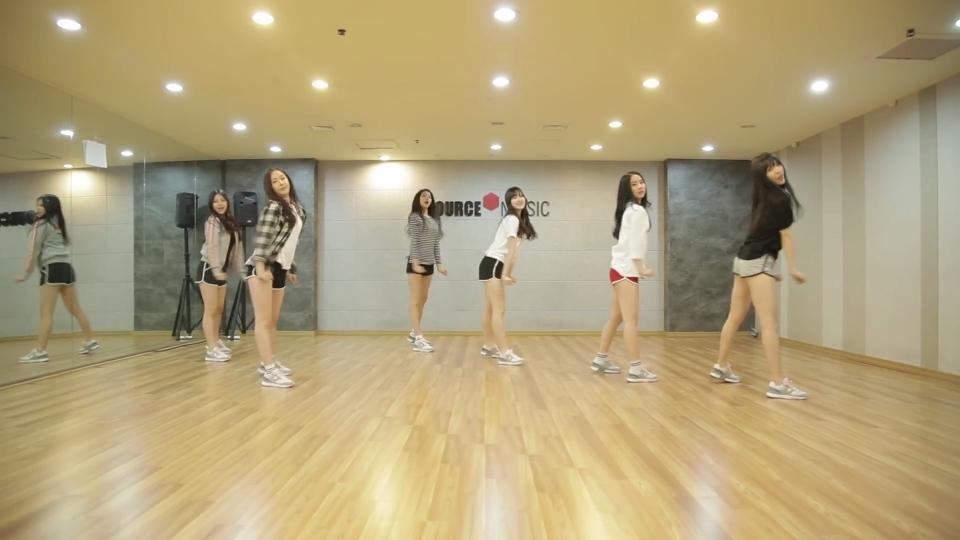 #GFRIEND - White#练习室,可能是以前官方忘了发,现在补发。#舞蹈##敏雅韩舞专攻班#