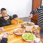 婆婆过生日,准备一桌硬菜,看着真丰盛 #我要上热门##美食##农村#