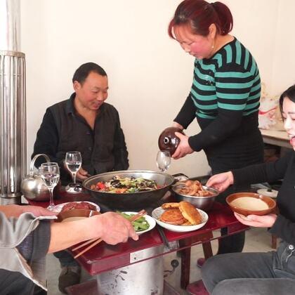 菜都炒好了卻發現沒蒸米飯,關鍵今天還請人修房子
