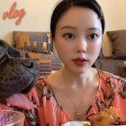 昨天滴日常~新鲜的☺️早餐/化妆/午餐水煮虾/直播完的小烧烤~萨卡捣蛋局 #芮妮的vlog##vlog#